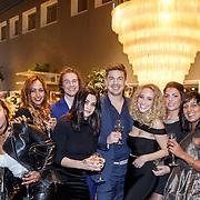 NLD/Amsterdam/20151130 - Presentatie Zimra Geurts kalender, Zimra en partner Yuri Stinkens, vrienden en vriendinnen
