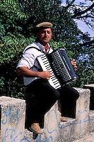 Italie. Sicile. Erice. Musicien. Avec autorisation//  Musicien. Erice. Sicily. Italy. MR available