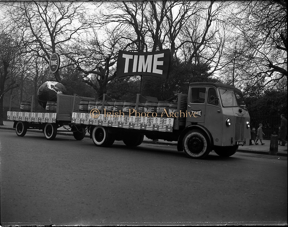 17/03/1960<br /> 03/17/1960<br /> 17 March 1960<br /> NAIDA Industrial St. Patrick's Day Parade, Dublin. Picture shows Time float  on a Leyland truck. Time was a brand of ale produced by Smithwicks.