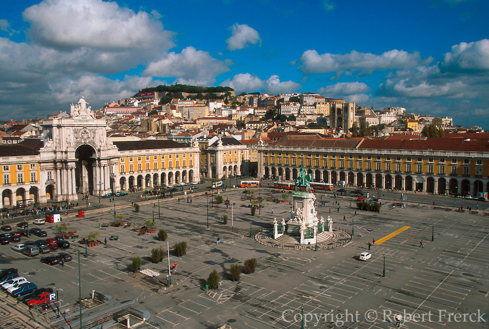PORTUGAL, LISBON Praca do Comercio in the Baixa