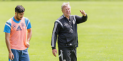 03.06.2015, Steinbergstadion, Leogang, AUT, U 21 EM, Vorbereitung Deutschland, im Bild v.l.: Emre Can (FC Liverpool, Deutschland U21) im Gespräch mit Trainer Horst Hrubesch (Deutschland U21) // during Trainingscamp of Team Germany for Preparation of the UEFA European Under 21 Championship at the Steinbergstadium in Leogang, Austria on 2015/06/03. EXPA Pictures © 2015, PhotoCredit: EXPA/ JFK