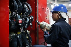 170410-N-KK167-338<br />