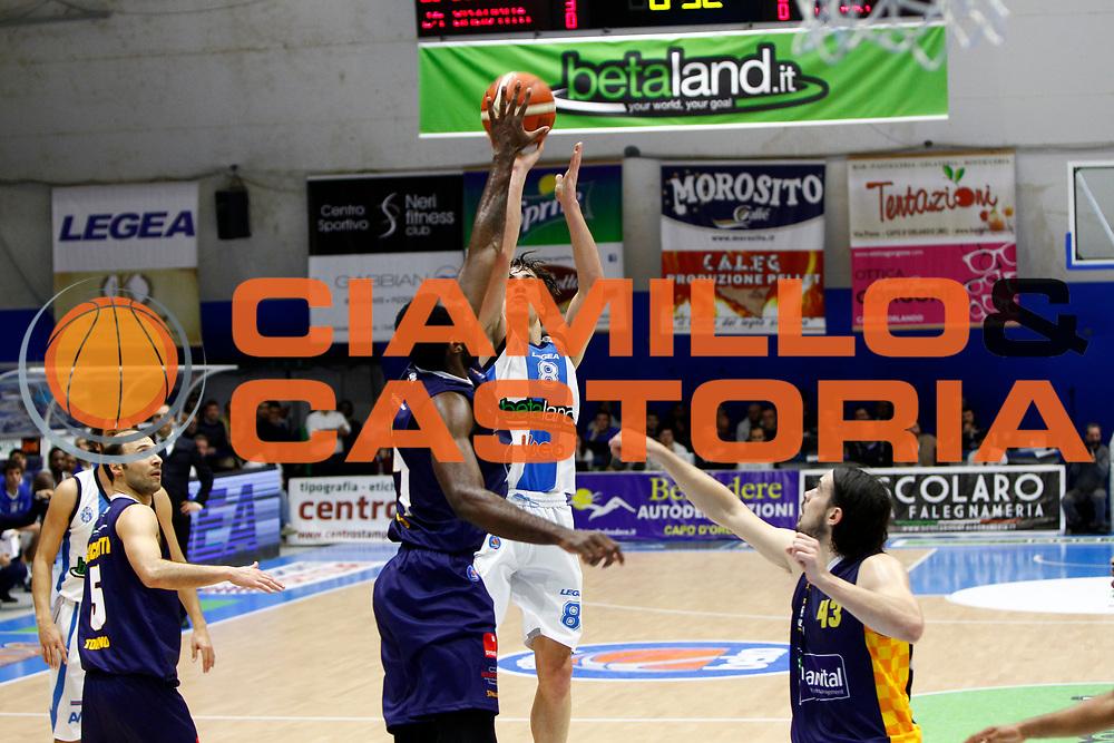 DESCRIZIONE : Capo dOrlando Lega A 2015-16 Betaland Capo d Orlando Manital Auxilium Cus Torino<br /> GIOCATORE : Tommaso Laquintana Dj White<br /> CATEGORIA : Tiro Stoppata<br /> SQUADRA : Orlandina Basket<br /> EVENTO : Campionato Lega A Beko 2015-2016 <br /> GARA : Betaland Capo d Orlando Manital Auxilium Cus Torino<br /> DATA : 13/03/2016<br /> SPORT : Pallacanestro <br /> AUTORE : Agenzia Ciamillo-Castoria/G.Pappalardo<br /> Galleria : Lega Basket A 2015-2016<br /> Fotonotizia : Capo dOrlando Lega A 2015-16 Betaland Capo d Orlando Manital Auxilium Cus Torino