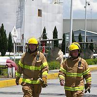 Toluca, Mex.- Aspectos del macro simulacro en la terminal de almacenamiento y centro de distribución de Petroleos Mexicanos (PEMEX), donde participaron la Cruz Roja, Porteccion Civli y bomberos del estado. Agencia MVT / Ginarely Valencia A. (DIGITAL)<br /> <br /> NO ARCHIVAR - NO ARCHIVE