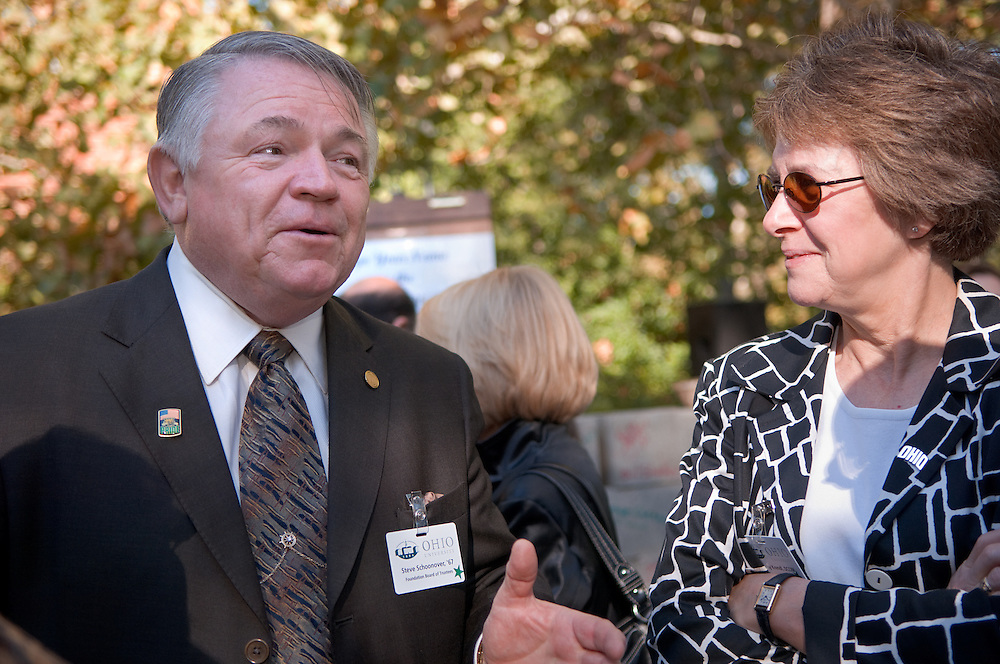 18414Academic & Research Center Groundbreaking September 29, 2007...Steve Shoonover & Kathy Krendl
