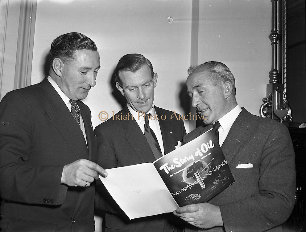 29/01/1958<br /> 01/29/1958<br /> 29 January 1958<br /> <br /> ESSO Luncheon at Shelbourne Hotel