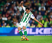 SEVILLE, SPAIN - NOVEMBER 03:  Andres Guardado of Real Betis Balompie in action during the La Liga match between Real Betis and Getafe at Estadio Benito Villamarin  on November 3, 2017 in Seville, .  (Photo by Aitor Alcalde Colomer/Getty Images)