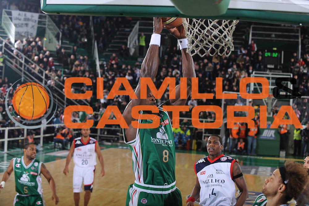 DESCRIZIONE : Avellino Final 8 Coppa Italia 2010 Semifinale Montepaschi Siena Angelico Biella<br /> GIOCATORE : Benjamin Eze<br /> SQUADRA : Montepaschi Siena<br /> EVENTO : Final 8 Coppa Italia 2010 <br /> GARA : Montepaschi Siena Angelico Biella<br /> DATA : 20/02/2010<br /> CATEGORIA : Tiro<br /> SPORT : Pallacanestro <br /> AUTORE : Agenzia Ciamillo-Castoria/GiulioCiamillo<br /> Galleria : Lega Basket A 2009-2010 <br /> Fotonotizia : Avellino Final 8 Coppa Italia 2010 Semifinale Montepaschi Siena Angelico Biella<br /> Predefinita :