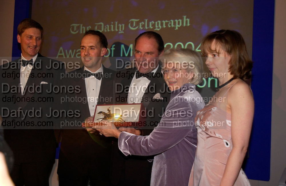 Richard, Jeremy Deedes, Patricia Thompson and Katy, The 2004 Cartier Racing awards, Four Seasons Hotel. London. 17 November 2004. ONE TIME USE ONLY - DO NOT ARCHIVE  © Copyright Photograph by Dafydd Jones 66 Stockwell Park Rd. London SW9 0DA Tel 020 7733 0108 www.dafjones.com