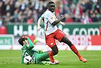 v.l. Florian Grillitsch, Dayot Upamecano (Leipzig)<br /> Bremen, 18.03.2017, Fussball, Bundesliga, SV Werder Bremen - RB Leipzig 3:0<br /> <br /> Norway only