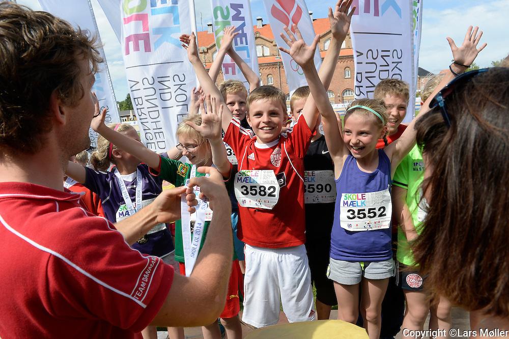 DK Caption:<br /> 20140617, K&oslash;benhavn, Danmark:<br /> Skole OL finale 2014: Stafet guldvindere<br /> Foto: Lars M&oslash;ller<br /> UK Caption:<br /> 20140617, Copenhagen, Denmark:<br /> School Olympics 2014: <br /> Photo: Lars Moeller