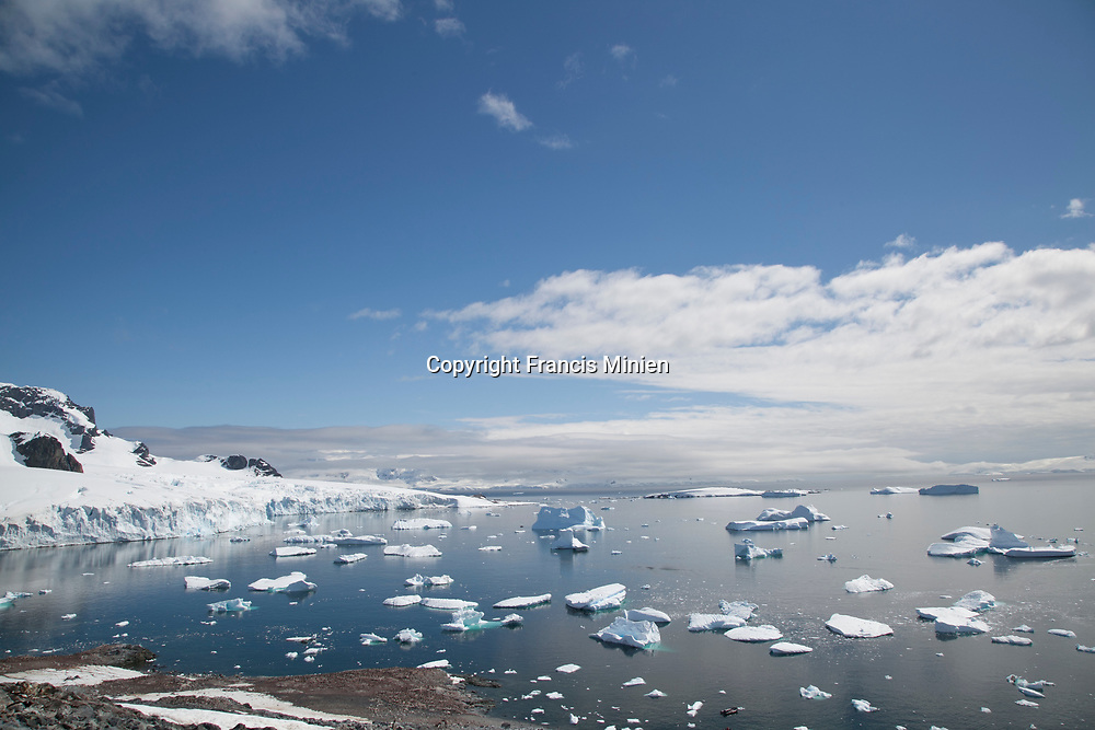 Landscape and nature photography from Antarctica and its Surround region.