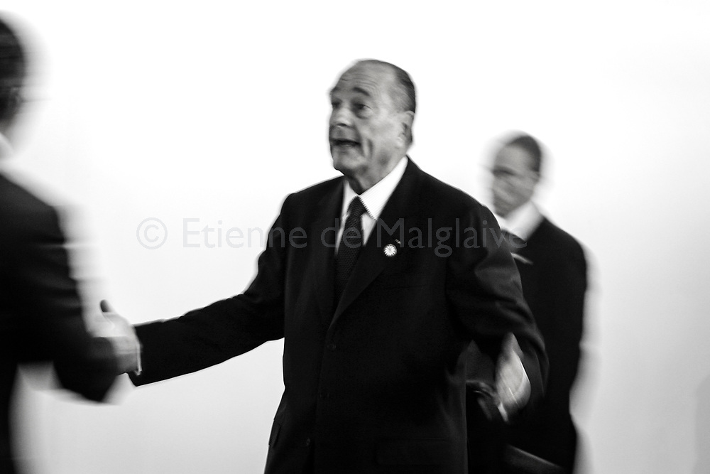 French President Jacques Chirac  attends ASEM 6 Summit in Helsinki.French President Jacques Chirac meets with Singapore PM Lee Hsien Loong. 11 September 2006.