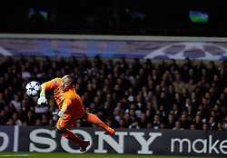 09.03.2011, White Hart Lane, London, ENG, UEFA CL, Tottenham Hfc vs AC Milan, im Bild Tottenham's Heurelho Gomes makes a save   during Tottenham Hfc vs AC Milan for the last 16 round of the UCL at White Hart Lane   in London on 09/03/2011. EXPA Pictures © 2011, PhotoCredit: EXPA/ IPS/ Marcello Pozzetti +++++ ATTENTION - OUT OF ENGLAND/UK and FRANCE/FR +++++