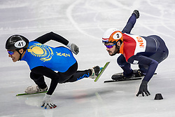 20-02-2018 KOR: Olympic Games day 11, PyeongChang<br /> 500m mannen shorttrack / Nurbergen Zhumagaziyev of Kazakhstan, Sjinkie Knegt of the Netherlands
