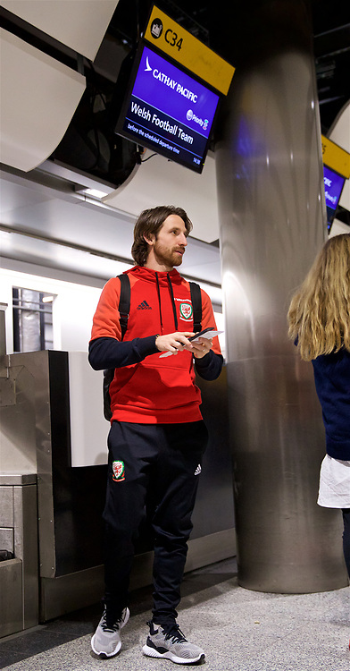 LONDON, ENGLAND - Sunday, March 18, 2018: Wales' Joe Allen at Heathrow Airport as the team prepare to fly to Nanning for the 2018 Gree China Cup International Football Championship. (Pic by David Rawcliffe/Propaganda)