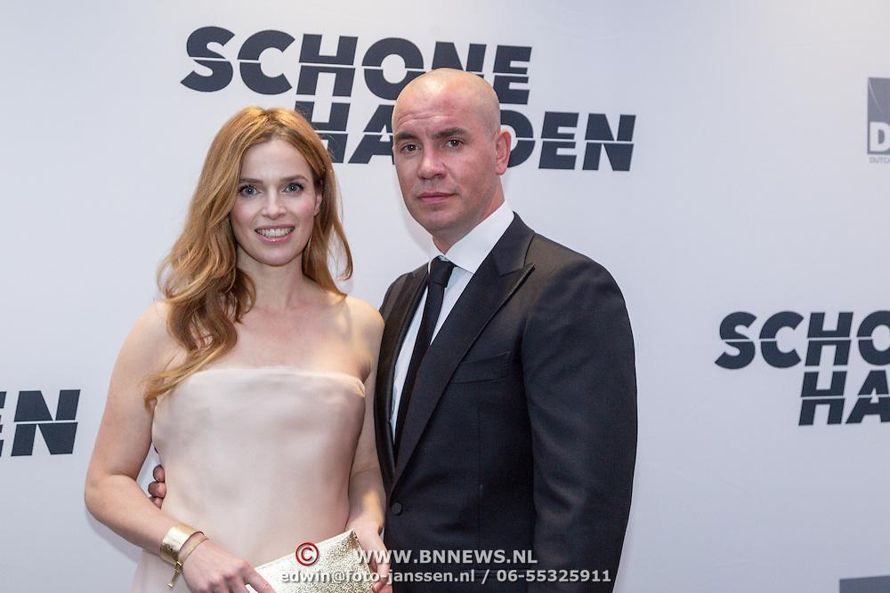 NLD/Amsterdam/20150907 - Premiere Schone Handen, cast, Jeroen van koningsbrugge, Thekla Reuten,