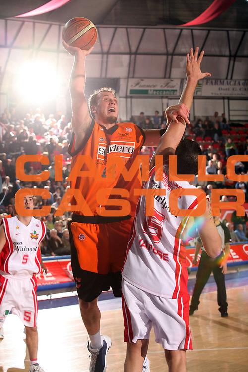 DESCRIZIONE : Varese Lega A1 2006-07 Whirlpool Varese Snaidero Udine<br /> GIOCATORE : Jaacks<br /> SQUADRA : Snaidero Udine<br /> EVENTO : Campionato Lega A1 2006-2007<br /> GARA : Whirlpool Varese Snaidero Udine<br /> DATA : 02/12/2006<br /> CATEGORIA : Tiro<br /> SPORT : Pallacanestro<br /> AUTORE : Agenzia Ciamillo-Castoria/S.Ceretti<br /> Galleria : Lega Basket A1 2006-2007<br /> Fotonotizia : Varese Campionato Italiano Lega A1 2006-2007 Whirlpool Varese Snaidero Udine<br /> Predefinita :