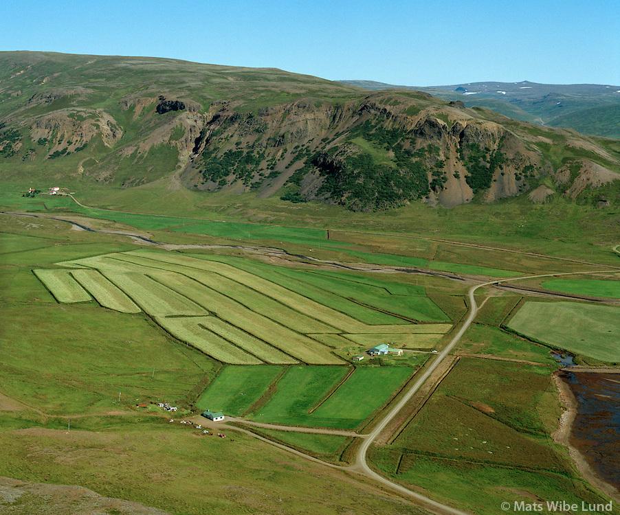 Akur séð til austurs, Hvammur í bakgrunni t.v., Dalabyggð áður Hvammshreppur / Akur viewing east. Hvammur left in background, Dalabyggd former Hvammshreppur.