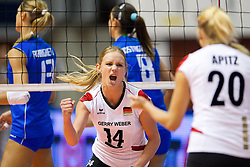01.10.2011, Hala Pionir, Belgrad, SRB, Europameisterschaft Volleyball Frauen, Halbfinale, Deutschland (GER) vs. Italien (ITA), im Bild Margareta Kozuch (#14 GER / Sopot POL), Mareen Apitz (#20 GER / Dresden GER) // during the 2011 CEV European Championship, Quarterfinal at Hala Pionir, Belgrade, SRB, Germany vs Italy, 2011-10-01. EXPA Pictures © 2011, PhotoCredit: EXPA/ nph/  Kurth       ****** out of GER / CRO  / BEL ******