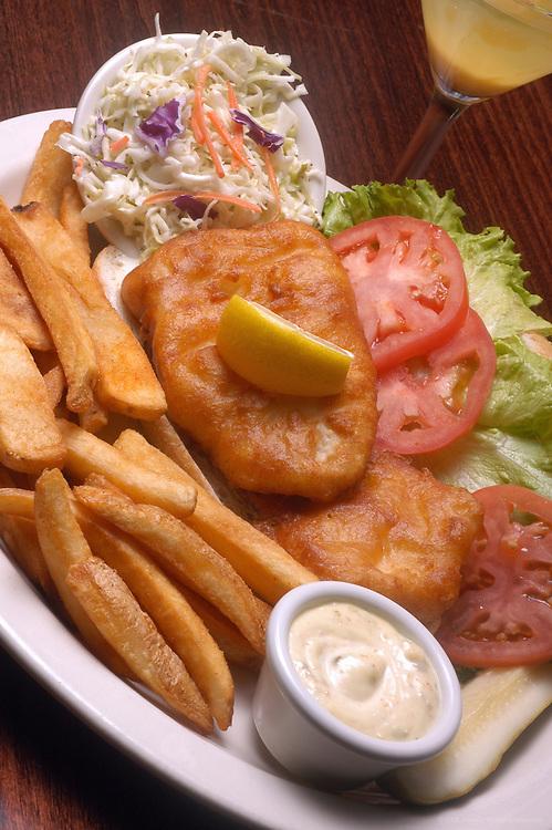 Wendell's The Alumni Grille, Columbus, Ohio: The Fresh Fish Sandwich.