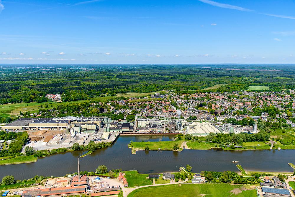 Nederland, Gelderland, Over-Betuwe, 13-05-2019; Neder-rijn bij Renkum met zicht op papierfabriek van Parenco. Fabricage van onder andere krantenpapier.<br /> Paper mill near Arnhem, production of newsprint.<br /> <br /> luchtfoto (toeslag op standard tarieven);<br /> aerial photo (additional fee required);<br /> copyright foto/photo Siebe Swart