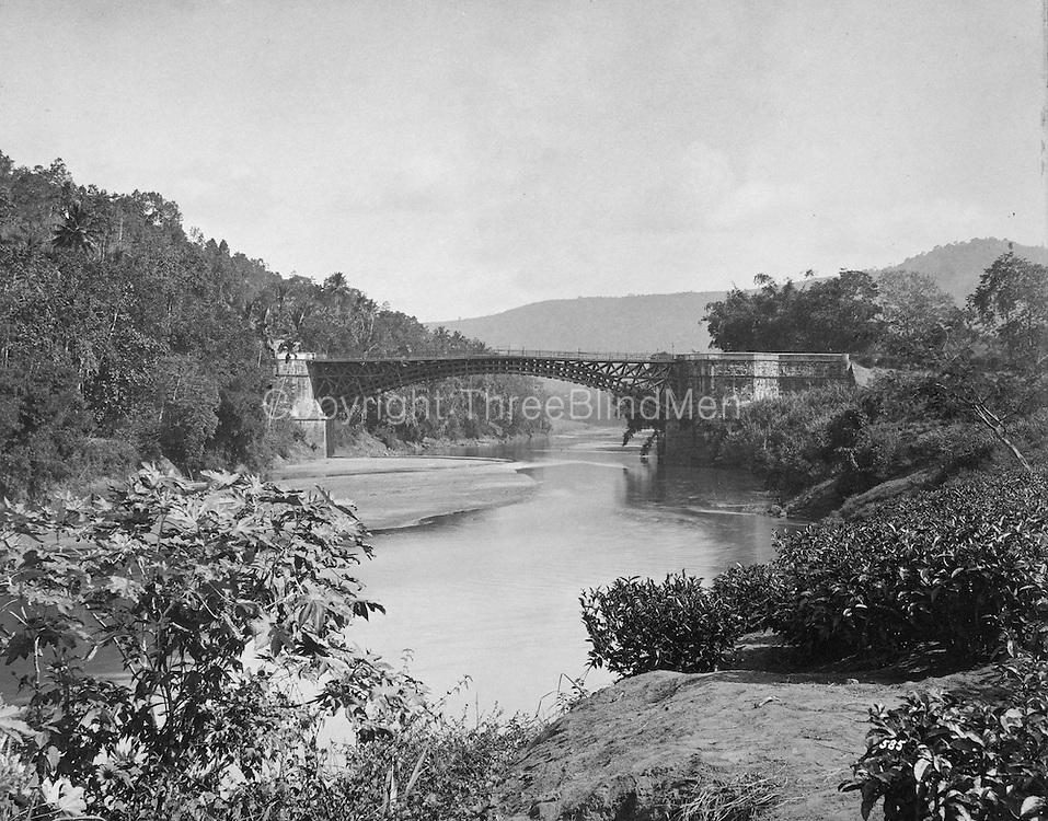 Satinwood Bridge over the Mahaweli at Peradeniya.