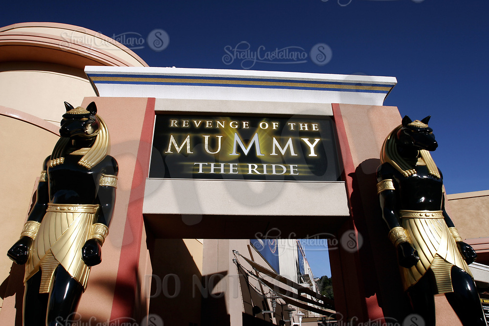 Jan 15, 2005; Hollywood, CA, USA; Enterance to the Mummy Ride at Universal Studios Theme Park in Hollywood.  Tourist location for thousands of movie and roller coaster fans traveling and visiting Southern California.  Theme Park includes roller coaster rides, hollywood movie sets, theme shows and tram tour around sound stages on the property.  Mandatory Credit: Photo by Shelly Castellano/ZUMA Press.