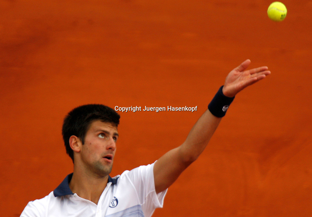French Open 2010, Roland Garros, Paris, Frankreich,Sport, Tennis, ITF Grand Slam Tournament, Novak Djokovic (SRB)..Foto: Juergen Hasenkopf..