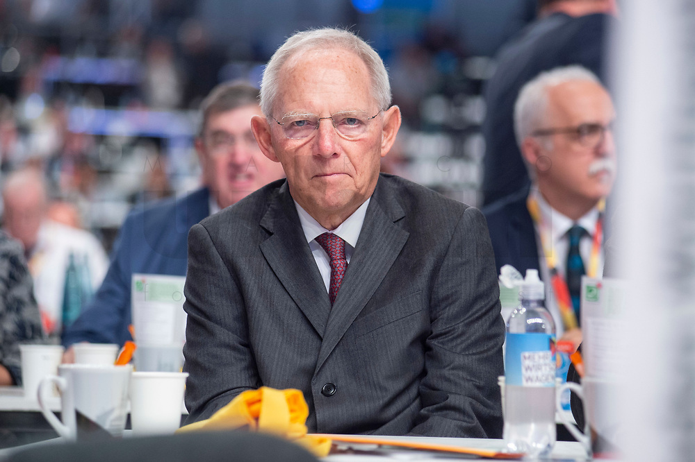 07 DEC 2018, HAMBURG/GERMANY:<br /> Wolfgang Schaeuble, CDU, Praesident des Deutschen Bundestages, CDU Bundesparteitag, Messe Hamburg<br /> IMAGE: 20181207-01-096<br /> KEYWORDS: party congress, Wolfgang Schäuble