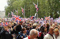 Royal Wedding Fans in the Mall, London, UK, 29 April 2011:  Contact: Rich@Piqtured.com +44(0)7941 079620 (Picture by Richard Goldschmidt)