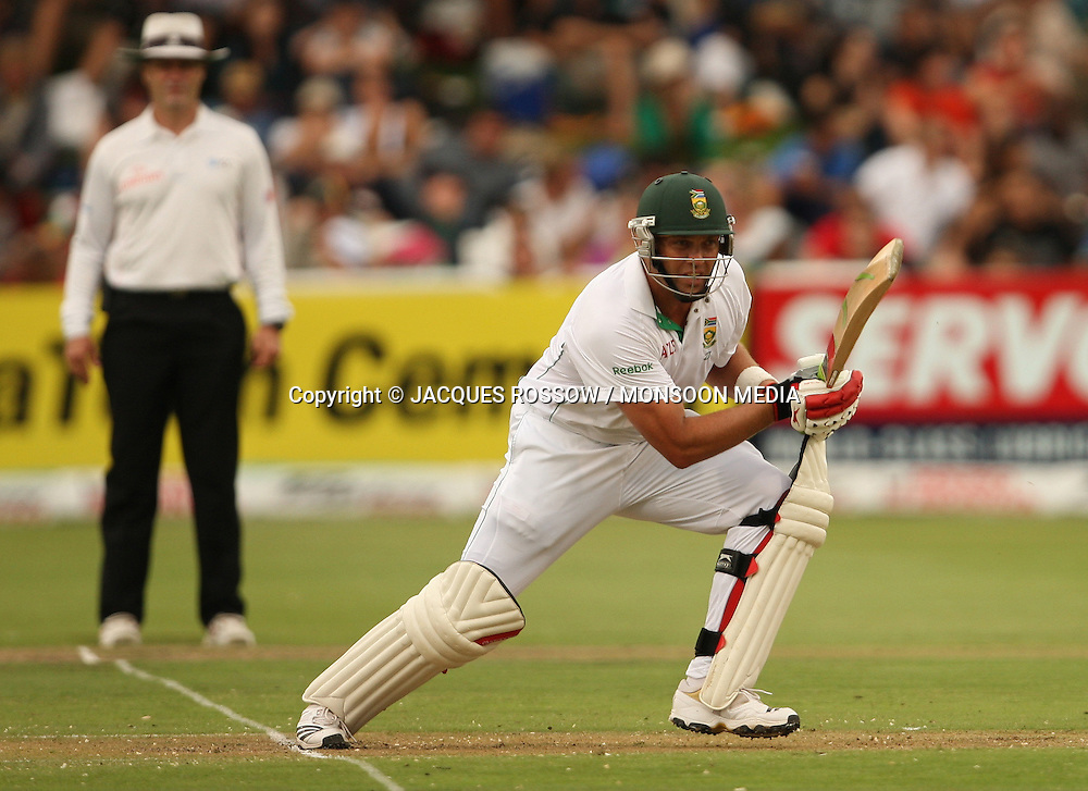 Jacques Kallis in action during Day 1 of the third and final Test between South Africa and India played at Sahara Park Newlands in Cape Town, South Africa, on 2 January 2011. Photo by Jacques Rossouw / MONSOON MEDIA