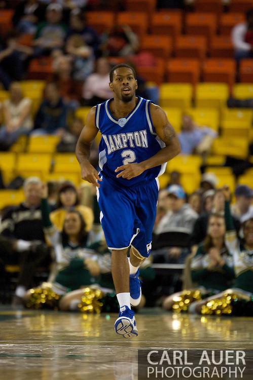 November 26, 2008: Hampton guard Vincent Simpson in the opening game of the 2008 Great Alaska Shootout at the Sullivan Arena against the University of Alaska-Anchorage Seawolves.