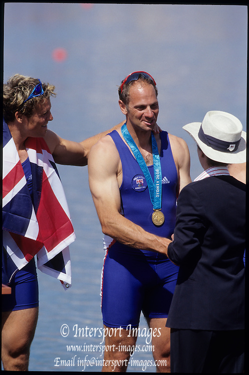 Sydney, AUSTRALIA, GBR M4-, Gold Medalist in the Men's four,  Bow, James CRACKNELL, No.2, Steve REDGRAVE, No.3, Tim FOSTER and Stroke, Matthew PINSENT,  2000 Olympic Regatta, West Lakes Penrith. NSW.  [Mandatory Credit. Peter Spurrier/Intersport Images] Sydney International Regatta Centre (SIRC) 2000 Olympic Rowing Regatta00085138.tif