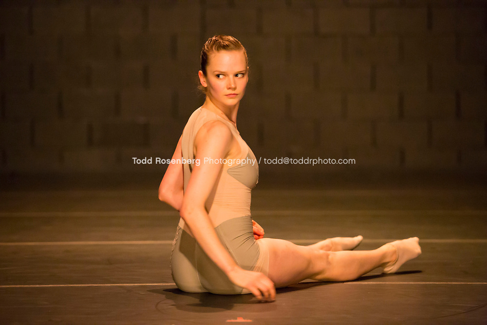 6/5/13 3:45:38 PM -- Hubbard Street Dance Chicago Photography <br /> <br /> Danc(e)volve <br /> &quot;Grey Horses&quot; by Robyn Mineko Williams<br /> Technical Rehearsal<br /> <br />  Chicago, IL, USA<br /> . &copy; Todd Rosenberg Photography 2013