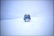Une cabine de télésiège de remontée mécanique de la station de Ski de Nax au millieu de la neige le 20 février 2011. (PHOTO-GENIC.CH/ OLIVIER MAIRE)