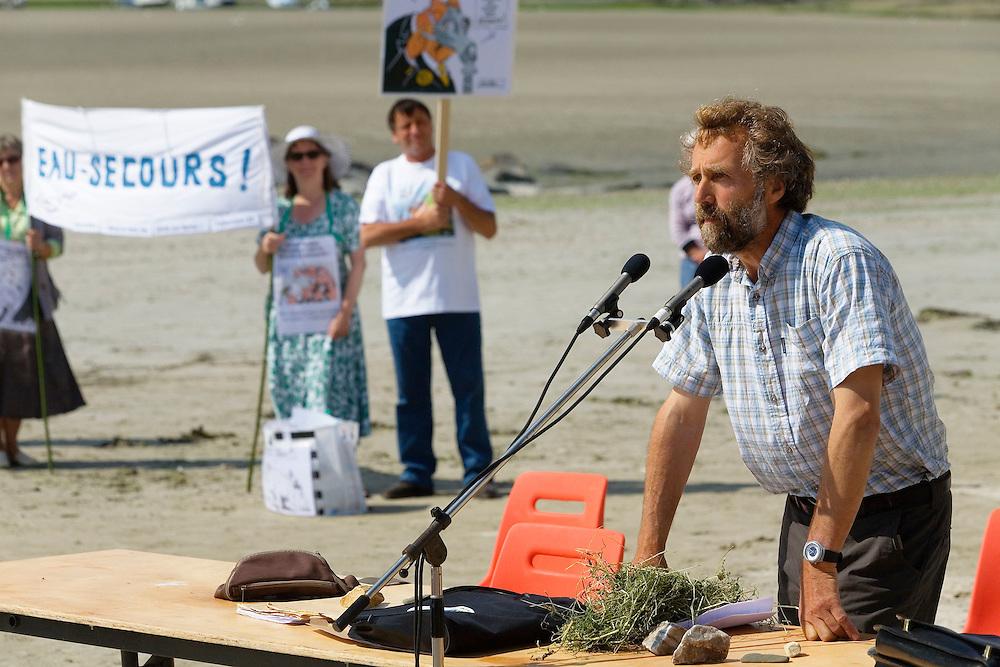 Denis BAULIER, agriculteur et eleveur a Penvenan (22), membre du collectif Eau pure