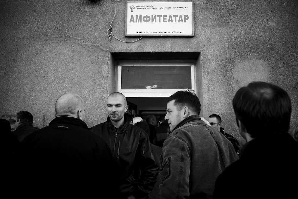 (28/11/2007) Serbs gather in north Mitrovica, Kosovo, to listen to Milan Ivanovic , leader of the Serbian National Council, speak ahead of the possible declaration of Independence by Pristina. (photo: Greg Funnell)