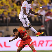 EAST RUTHERFORD, NEW JERSEY - JUNE 17:  Carlos Sanchez #6 of Colombia heads clear from Edison Flores #20 of Peru during the Colombia Vs Peru Quarterfinal match of the Copa America Centenario USA 2016 Tournament at MetLife Stadium on June 17, 2016 in East Rutherford, New Jersey. (Photo by Tim Clayton/Corbis via Getty Images)