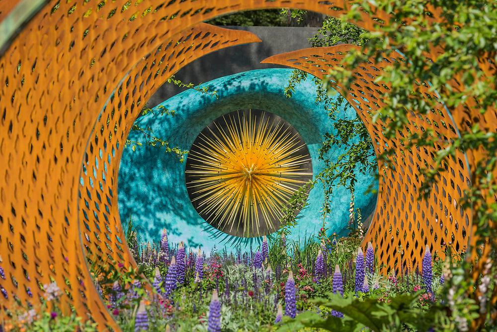 The David Harber and Savills Garden, Sponsor: Savills & David Harber Ltd, Designer: Nic Howard and Contractor: Langdale Landscapes - The RHS Chelsea Flower Show at the Royal Hospital, Chelsea.