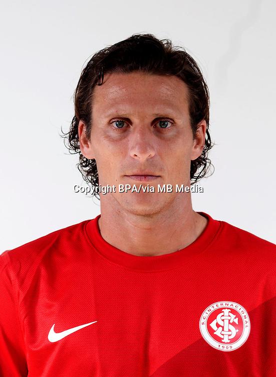 Diego Forlán Corazo  ( Sport Club Internacional )