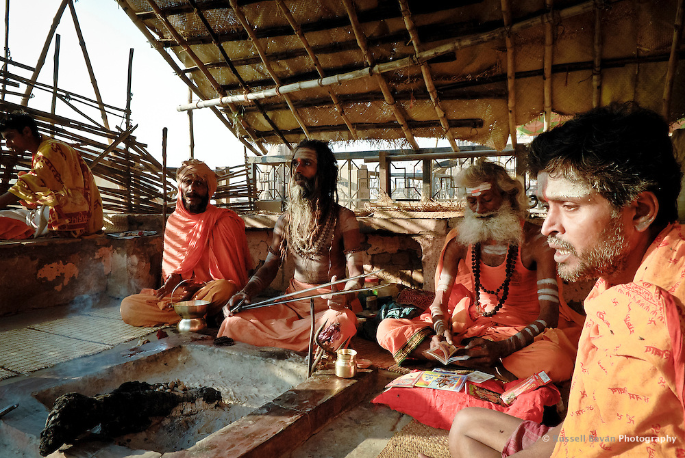 Hindu holy men Chanting at the ghats in Varanasi, Uttar Pradesh, India