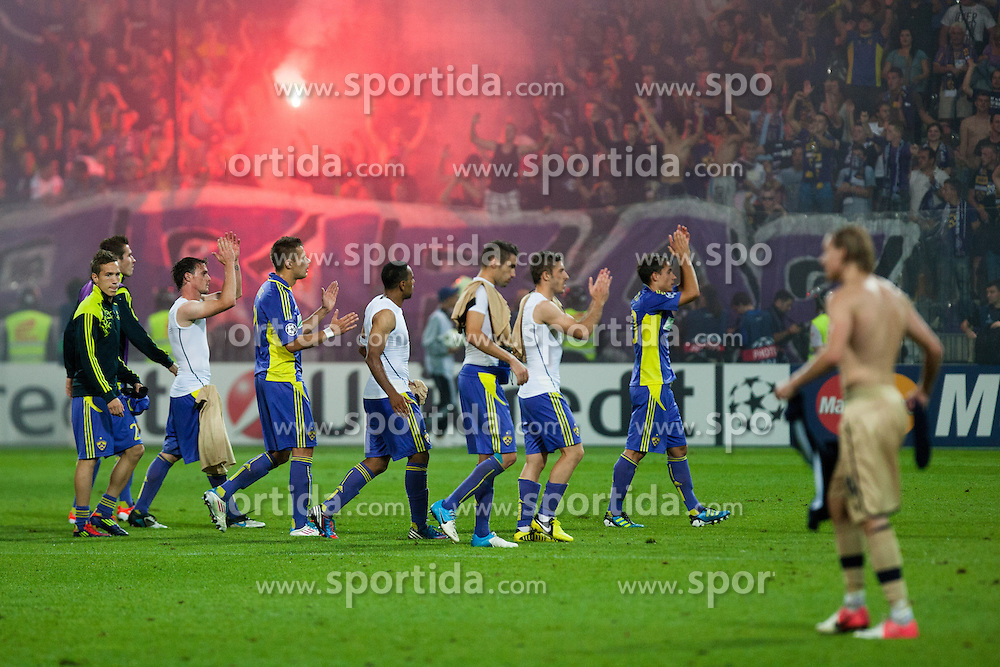 Players of NK Maribor greet fans after defeat during Play-offs for Champions League between NK Maribor (Slovenia) and GNK Dinamo Zagreb (Croatia), on August 28, 2012, in Maribor, Slovenia. (Photo by Matic Klansek Velej / Sportida.com)