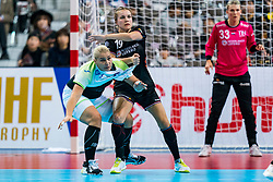 30-11-2019 JAP: Netherlands - Slovenia, Kumamoto<br /> First day 24th IHF Womenís Handball World Championship, Netherlands lost the first match against Slovenia with 26 - 32. / Aneja Beganovic #41 of Slovenia, Merel Freriks #19 of Netherlands