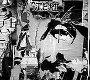 20161027/ Javier Calvelo/ URUGUAY/ MONTEVIDEO/ Un pentimento es una alteraci&oacute;n en un cuadro que manifiesta el cambio de idea del artista sobre aquello que estaba pintando. Se tratar&iacute;a de un t&eacute;rmino sin&oacute;nimo de arrepentimiento. Este trabajo documental hecho en las calles de las ciudades se basa en esa idea pero este arrepentimiento estaria dado por epaso del tiempo y la construccion de ese muro de afiches y pintadas que nunca acaba las diferentes capas se acumulan y van cambiando momento a momento. <br /> En la foto:  Proyecto Pentimento - Musica. Foto: Javier Calvelo