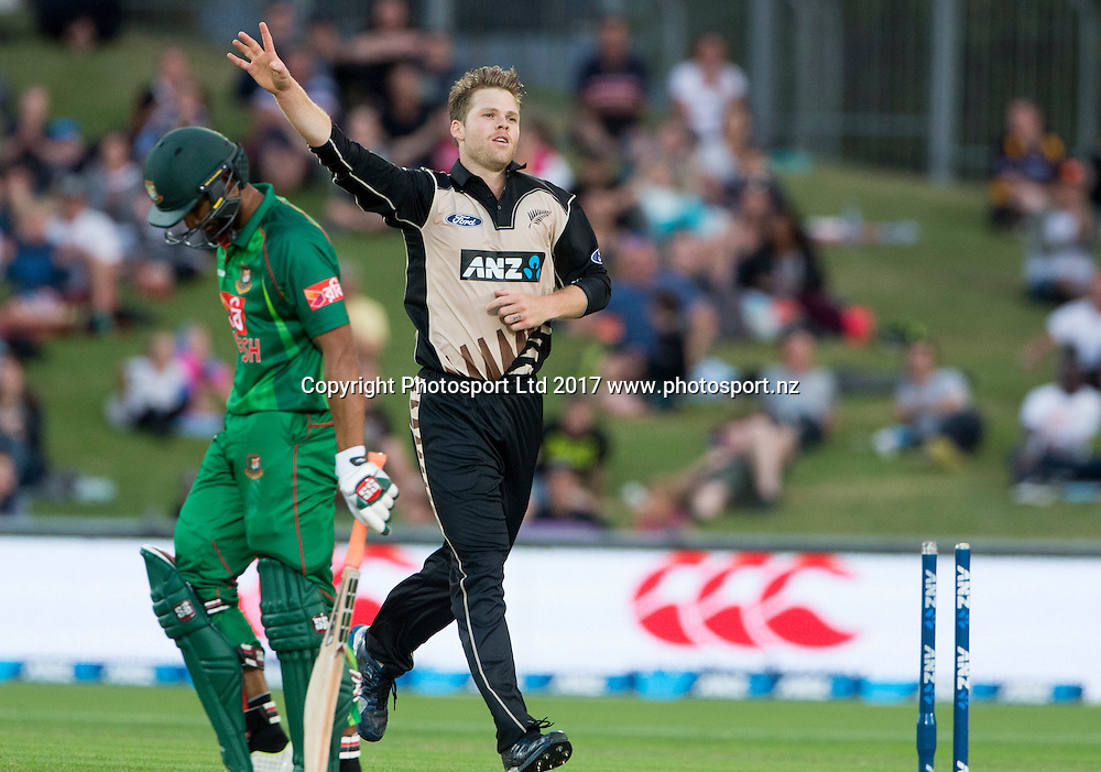 New Zealand's Lockie Ferguson celebrates taking the wicket of Bangladesh's Mahmudulla.  New Zealand Blackcaps v Bangladesh, International Cricket, 1st T20, McLean Park, Napier, New Zealand. Tuesday, 03 January, 2017. Copyright photo: John Cowpland / www.photosport.nz