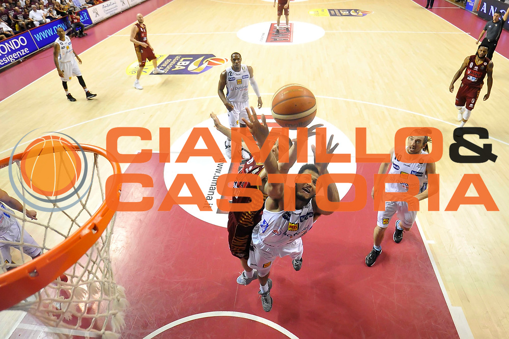 Shavon Shields. Michael Bramos<br /> Umana Reyer Venezia - Dolomiti Energia Trento<br /> Lega Basket serie A 2016 / 201<br /> playoff finale gara 5<br /> venezia, 18/06/2017<br /> foto ciamillo