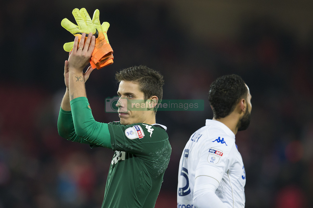 Halbfinale im Liga-Pokal Liverpool vs Leeds 1:0 in Liverpool / 291116<br /> <br /> ***LIVERPOOL, ENGLAND 29TH NOVEMBER 2016:<br /> Leeds United goalkeeper Marco Silvestri left applauds supporters after the English League Cup soccer match between Liverpool and Leeds at Anfield Stadium in Liverpool England November 29th 2016***