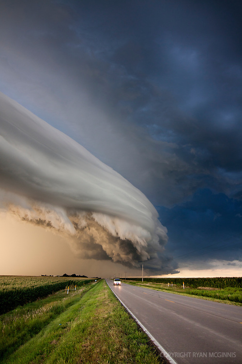 An arcus cloud pushes across the highway north of Kearney, Nebraska, August 8, 2011.
