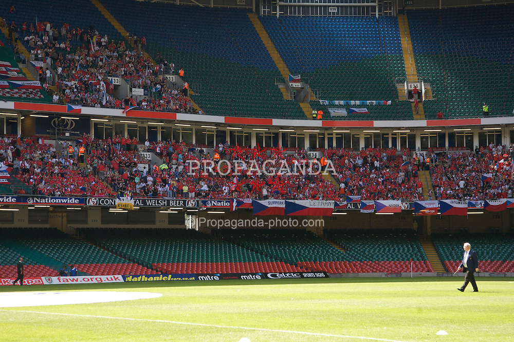 Cardiff, Wales - Saturday, June 2, 2007: Czech Republic fans before the UEFA Euro 2008 Qualifying Group D match against Wales at the Millennium Stadium. (Pic by David Rawcliffe/Propaganda)